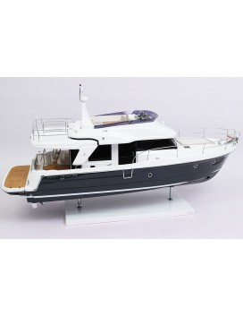 MAQUETTE SWIFT TRAWLER 47