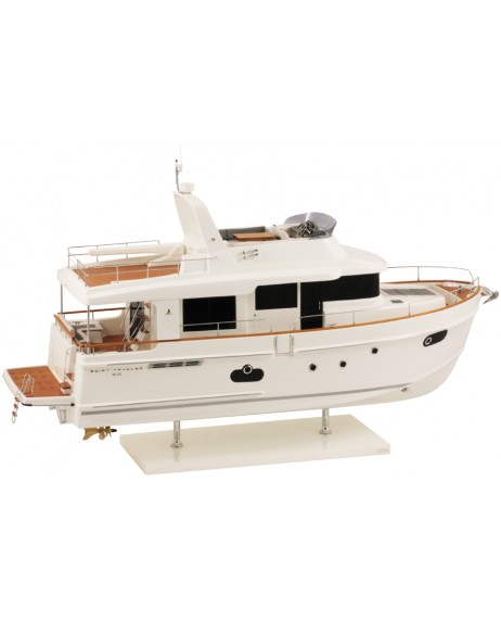 MAQUETTE SWIFT TRAWLER 50